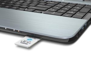 Flash-Air-II_PFW016U-1BCW_LaptopAngle